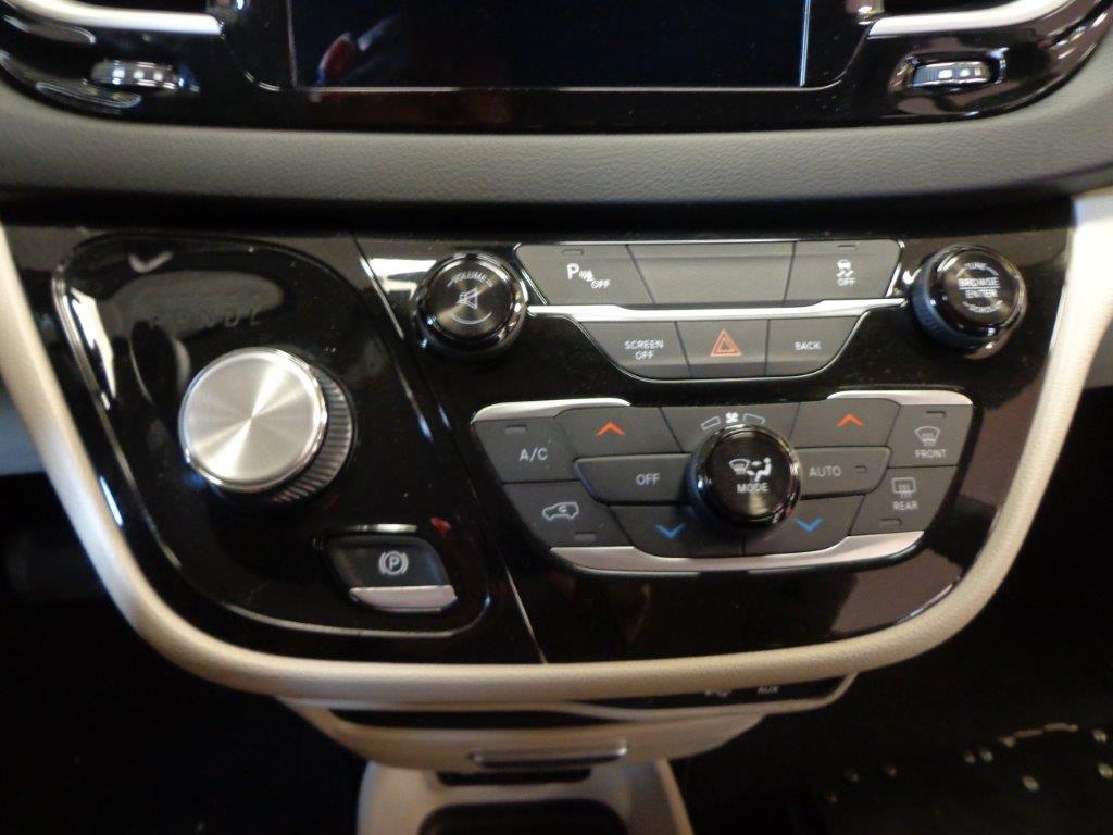 2017 Chrysler Pacifica Touring L Bruno Hr539569 Kansas